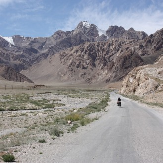 Rolling down to Murghab from the Nayzatosh Pass.