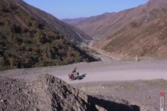 Climbing the Kaldama Pass